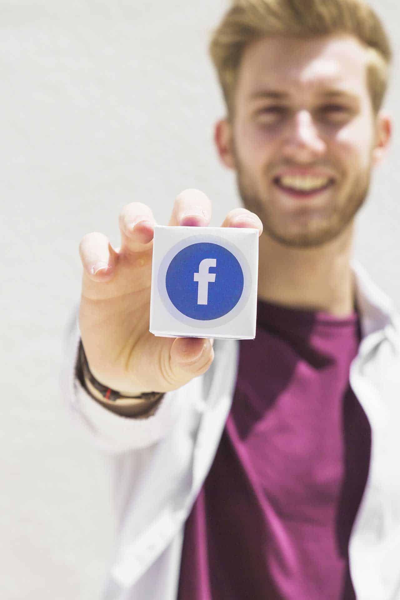 Come aprire la partita IVA per lavorare con Facebook