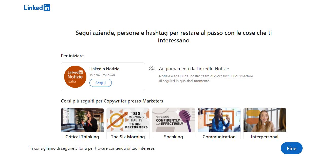 LinkedIn ti propone di seguire aziende ed hashtag